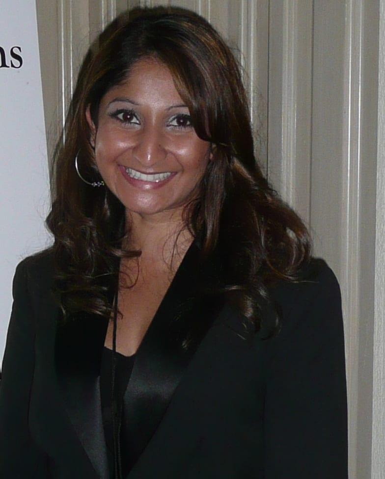 Tina Agustiady bio pic